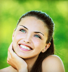 aesthetic dentistry and smile makeovers with an Arlington TX dentist near Grand Prairie