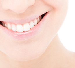 teeth bleaching and teeth whitening with a dentist near Grand Prairie and Mansfield TX